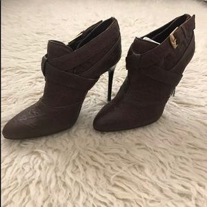 NEW 7 for all mankind bootie.